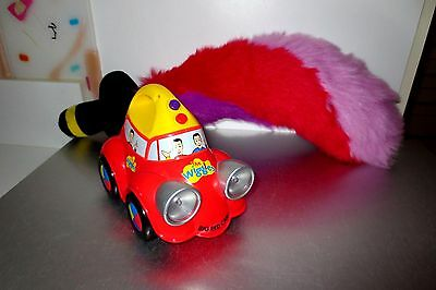 "Wiggles Rig Red Car Carry Sings Lights & Captain Feathersword Plush 20""   Lot M3"