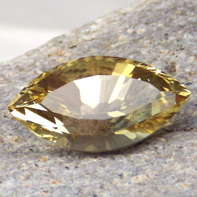 YELLOW-GOLD OREGON SUNSTONE 11.37Ct FLAWLESS-LARGE-FOR HIGH-END JEWELRY!