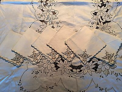 """Absolutely Exquisite Hand Embroidered MADEIRA Tablecloth 85"""" x 60"""" & 6 Napkins"""
