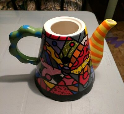 Decorative teapot by Romero Britto. Missing lid.