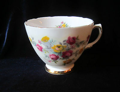 Colclough Bone China Orphan Teacup - #8231 - Red & Yellow Flowers - England