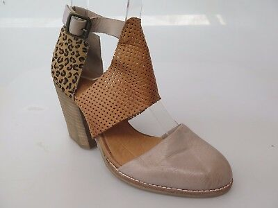 Silent D - new ladies leather sandal size 37 #65