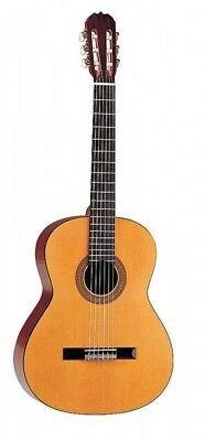 Hohner HC06 Full size Classical guitar Spruce top mahogany back sides and neck