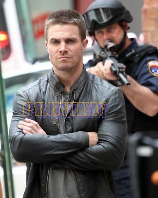 photo 8x10 - STEPHEN AMELL #0481-151019