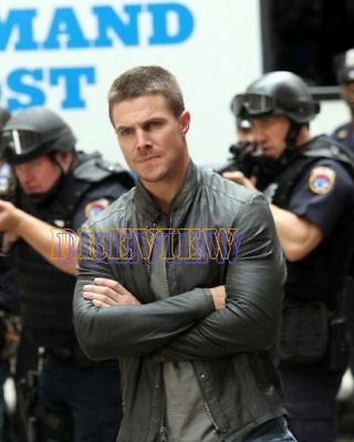 photo 8x10 - STEPHEN AMELL #0484-151019