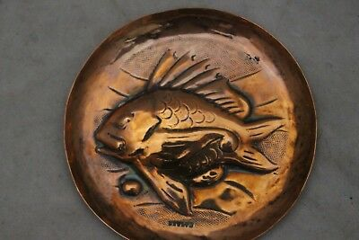 Copper Newlyn Round Dish with Fish Image 32g -214
