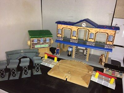 Thomas The Train Brio Imaginarium Train Station Bridge & Risers Railway Stops +