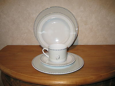 WINTERLING BAVARIA *NEW* VENUS Set 3 assiettes + 1 tasse avec soucoupe