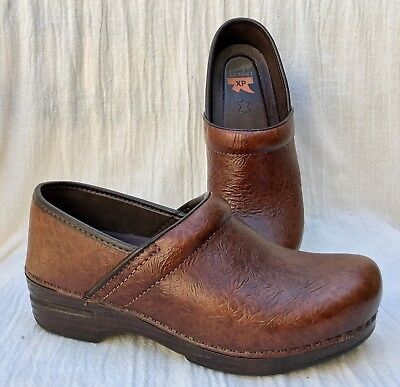 $150 Dansko XP Pro Brown Tooled Leather Clogs EU 38 US 7.5-8 Worn ONCE!