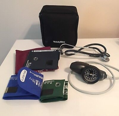 Welch Allyn Manual blood pressure cuff 6 Piece kit With Stethoscope