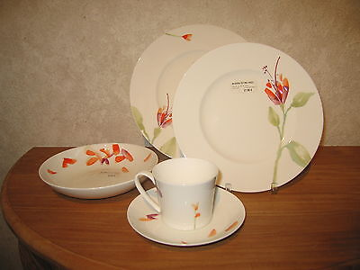 HUTSCHENREUTHER *NEW* SHALIMA Set 3 assiettes + 1 tasse Plates + cup
