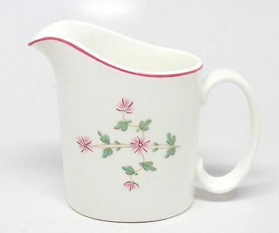 Royal Doulton - RD105 - Creamer - Made in England