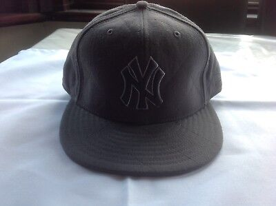 Men's New Era Cap Worn Once or Twice, Dark grey, Size 7 And 1/4 Or 57.7 Cm