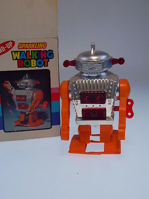 "GSR "" WALKING ROBOT"", HONG KONG,  very good in very good box, clockwork ok !"