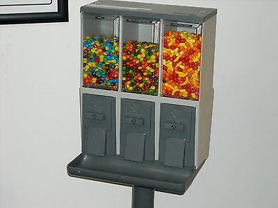 2 Vendstar 3000 candy vending machine  w locks.. no key! Best price on EBAY!!!