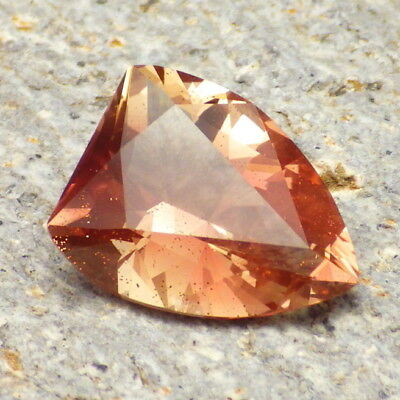 PEACH-PINK SCHILLER OREGON SUNSTONE 5.93Ct CLARITY SI1-FOR JEWELRY/COLLECTOR GDE