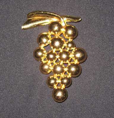 """Vintage Brooch Grape Bunch Gold 3"""" Bold Chunky 43.4 grams Costume Jewelry Nice"""