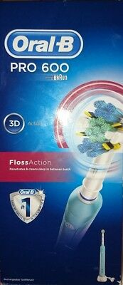 Oral-B Pro 600 floss action toothbrush