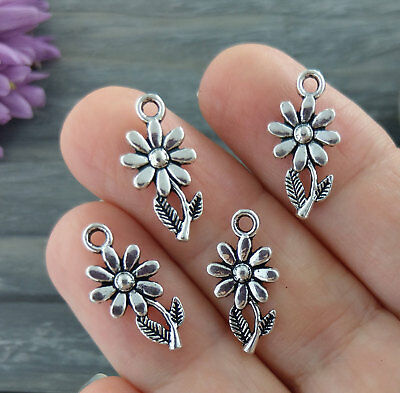 Daisy Flower Charms 5/10/20/50pcs - Antique Silver Silver Floral Pendants CH379