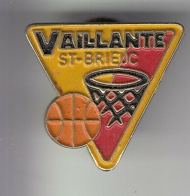 Rare Pins Pin's .. Sport Basket Ball Club Team Vaillante Saint St Brieuc 22 ~C4