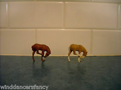 Lot Breyer Stablemate Scratching Foal Palomino Apron Face Chestnut Red Variation