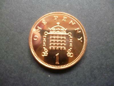 2000 BRILLIANT UNCIRCULATED ONE PENCE PIECE. 2000 uncirculated 1p coin.