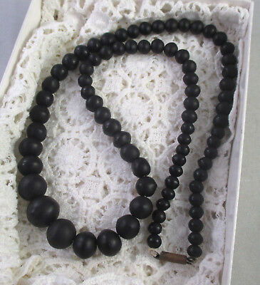 ANTIQUE Vintage VICTORIAN WHITBY JET? GRADUATED MATTE BLACK BEADED NECKLACE