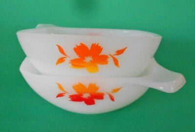Vintage Pyrex, Milk Glass Pyrex Ovenware 'Cape Tulip' Orange/Red Ramekins 2 of