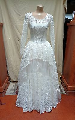1950s Vintage PRINCESS Style WEDDING DRESS IVORY LACE and TULLE