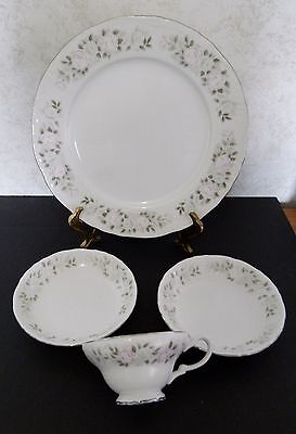 Sheffield Fine China Japan Classic Pattern #501 Cup 2 Fruit Bowls 1 Dinner Plate