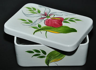 Wood & Sons Staffordshire Lady Slipper Treasure Chest - Covered Candy Dish