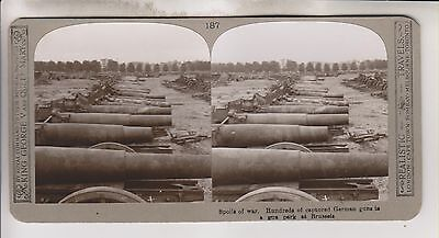 Wwi Stereoview - Hundreds Of Captured German Guns Brussels - Realistic Travels