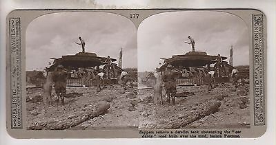 Wwi Stereoview - Sappers Remove A Tank Peronna - Realistic Travels