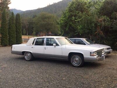 1990 Cadillac Brougham  1990 Cadillac Brougham 5.7L Good Condition, only 65,250 original miles!