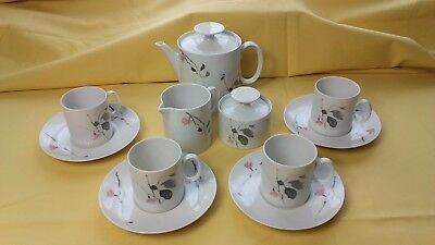 Thomas Germany Quince Pattern Teapot,Jug,Sugar Pot and 4 x Cups and Saucers