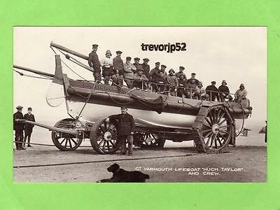 Great Yarmouth Lifeboat Hugh Taylor & crew unused RP pc F H Sayers Ref B94