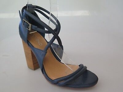 Top End - new ladies leather sandal size 37 #71