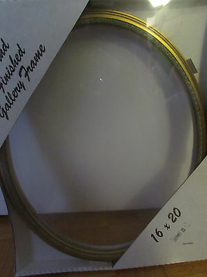 GOLD LEAF OVAL PITURE  FRAME 16X20 inches /45016