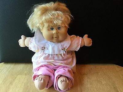 CABBAGE PATCH KID CPK GIRL Play Along Blonde HAIR / Green Eyes 2004 PA7