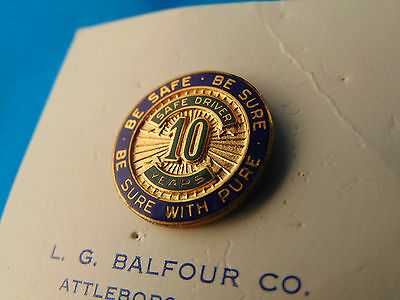 Pure Oil 10 Year Save Driving Screw Back Employee Award Badge On Card Petroleum