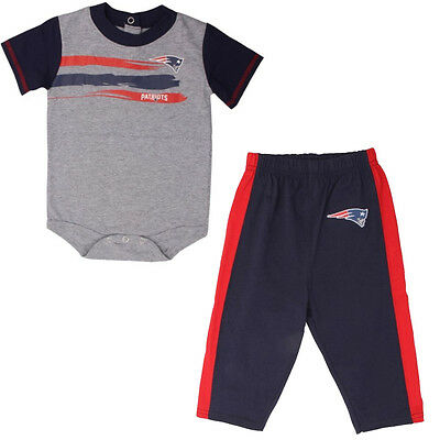 New England Patriots Little Rusher Baby Infant Creeper and Pants Set 18 Months