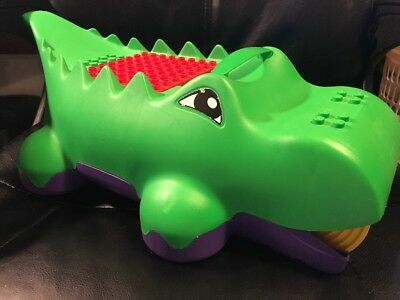 Lego Duplo Green Alligator Crocodile Block Brick Pick Up Sweeper Container