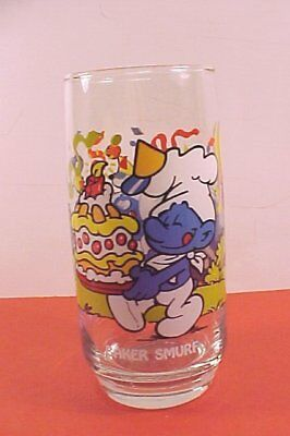 "Peyo, Wallace Berrie & Co. ""Baker"" Smurf Drinking Glass, 1983 USA"