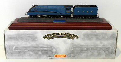 Country Artists 03587 - Mallard Class A4 - Cast From The Hornby 00 Scale Model