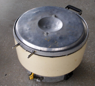 Rinnai RER-55AS-N Commercial 55-Cups Rice Cooker Natural Gas, Missing Lid Handle