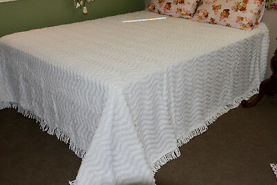 Vintage Thick Lush Wavy Snow White Chenille Queen King Fringing Bedspread