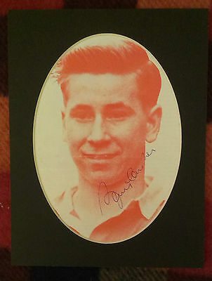 Bobby Charlton - Manchester United & England Signed Mounted Picture True Legend