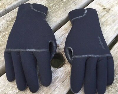 Patagonia Wetsuit Gloves R4 Size XL Brand New Free Post!!!