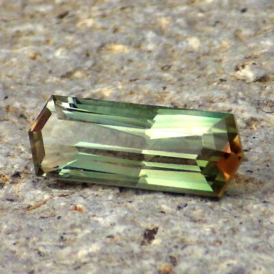 GREEN-ORANGE-PINK DICHROIC OREGON SUNSTONE 3.36Ct CLARITY SI1-VERY RARE COLORS!