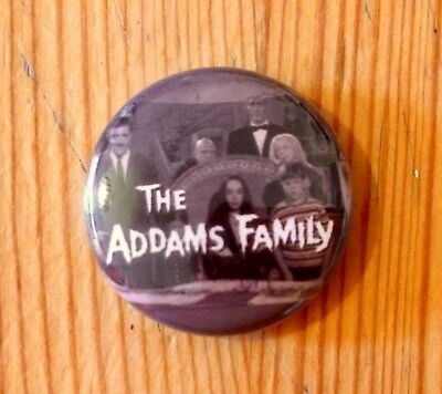 THE ADDAMS FAMILY - 1960s TV SHOW - BUTTON PIN BADGE (25mm)